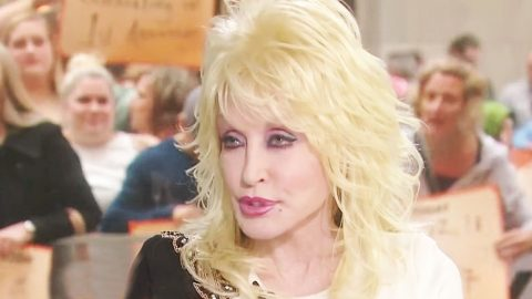 Dolly Parton Explains Why She Never Had Kids | Country Music Videos
