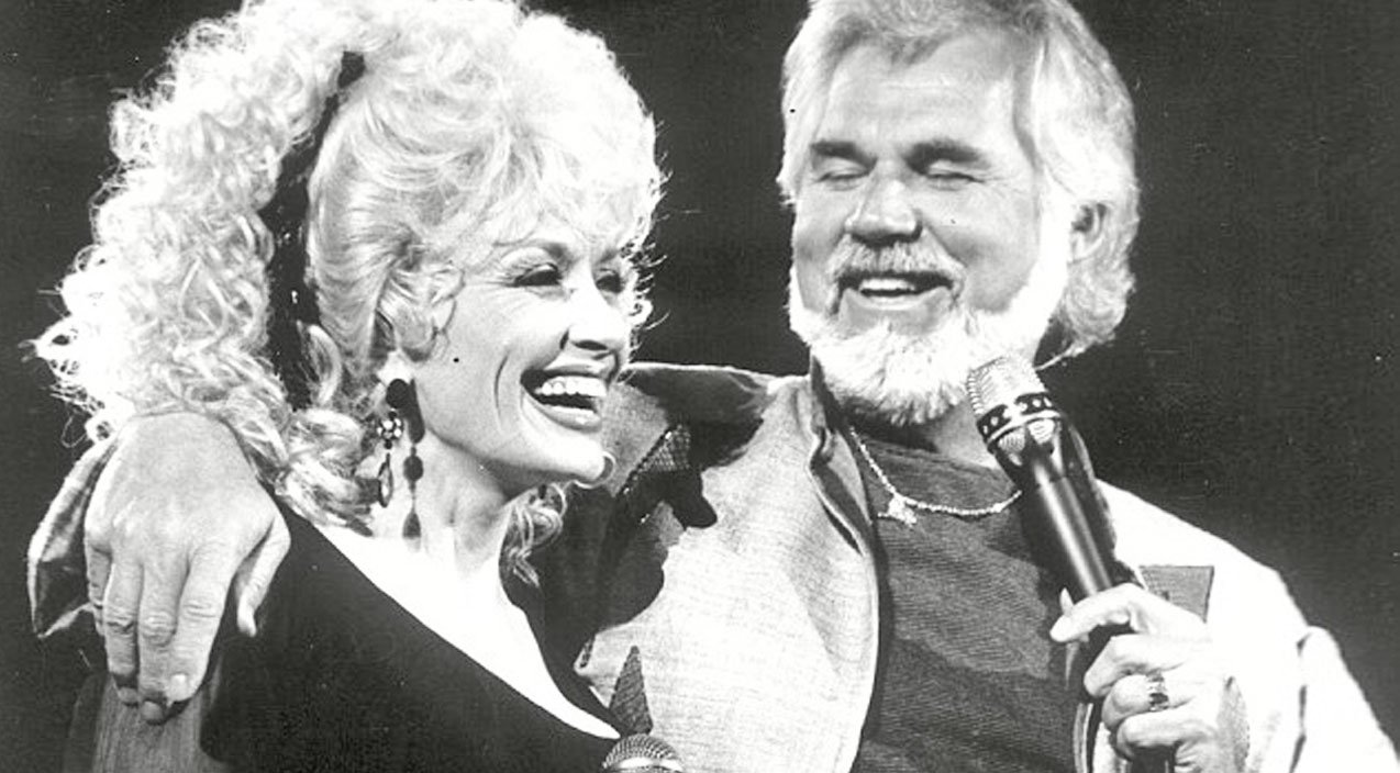 Romance Rumors Always Swirled Around Kenny Rogers & Dolly Parton… Here's  The Truth | Country Rebel
