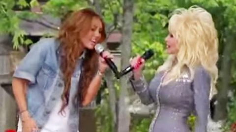 Miley Cyrus Joins Godmother Dolly Parton For A Performance Of 'Jolene' | Country Music Videos