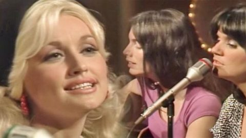 Dolly Parton, Linda Ronstadt and Emmylou Harris – The Sweetest Gift (WATCH) | Country Music Videos