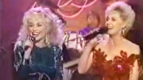 Dolly Parton & Tammy Wynette Thrill Audience With Medley Of Biggest Hits | Country Music Videos