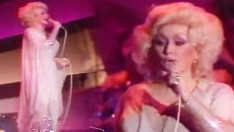 Dolly Parton – Baby I'm Burnin' (Live Midnight Special) (VIDEO) | Country Music Videos