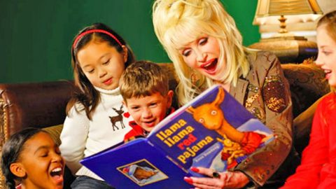 Dolly Parton Raises Half A Million For Kids In The Imagination Library | Country Music Videos