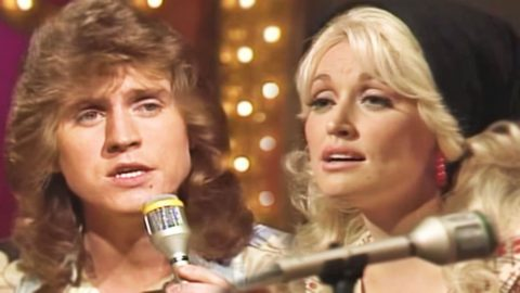 Dolly & Brother Sing Doobie Brothers, & Trio's TV Debut (Rare!) (WATCH) | Country Music Videos
