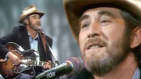 Don Williams Made Texas Proud With Inspirational Hit Song | Country Music Videos