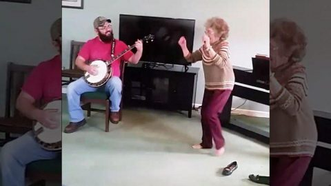 85-Year-Old Kicks Off Loafers & Breaks Into Epic Bluegrass Shuffle | Country Music Videos