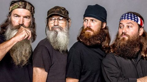 Robertson Family Opening New Duck Dynasty Attraction In Hometown | Country Music Videos