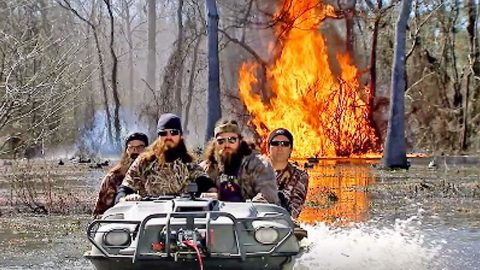 Duck Dynasty's Preview For Season 10 Will Blow You Away – Literally! | Country Music Videos