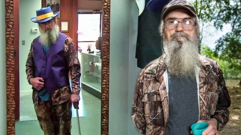 """Uncle Si's """"Redneck Swag"""" Will Have You In Stitches 