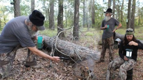 Si And His Pistol Vs. A Snake In The Woods | Country Music Videos
