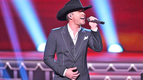Country Hunk Shakes Up CMA Country Christmas With Flirty 'Santa Claus Is Comin' To Town'   Country Music Videos