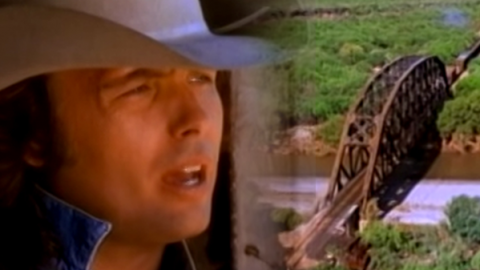 Dwight Yoakam – A Thousand Miles From Nowhere | Country Music Videos