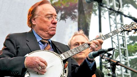 Earl Scruggs Steals The Stage With Grammy-Winning Tune 'Foggy Mountain Breakdown' | Country Music Videos