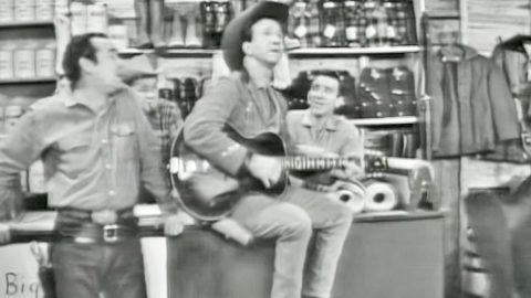 Rare Televised Performance Of Marty Robbins Singing 'El Paso' Will Take You Back   Country Music Videos