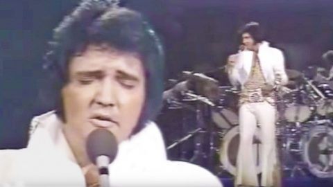 Elvis Presley's Dad Gives Emotional Last Words After Elvis' Final Performance | Country Music Videos