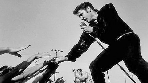 Elvis Presley Changes Music Forever In Rare 1956 Performace Of 'Heartbreak Hotel'   Country Music Videos