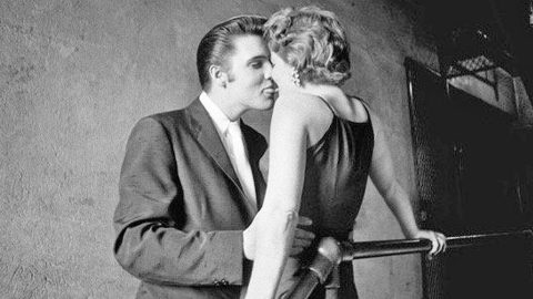 60 Years Later, Mystery Woman In Infamous Photo Kissing Elvis Presley FINALLY Reveals Herself | Country Music Videos