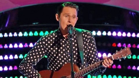 Rockabilly Singer Brings Elvis To 'The Voice' With Incredible Performance | Country Music Videos
