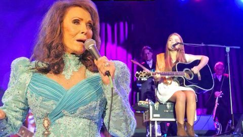 Loretta Lynn's 14-Year-Old Granddaughter Performs Beautiful Tribute To Her Grandmother (WATCH) | Country Music Videos