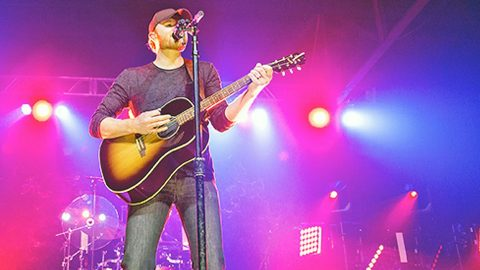 Country Star Opens About 'Scary Moments' During His Life With Diabetes   Country Music Videos