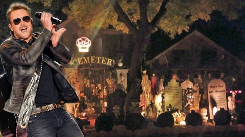 "'Creepin"" Light Show Synced To Country Megahit Wins Halloween 