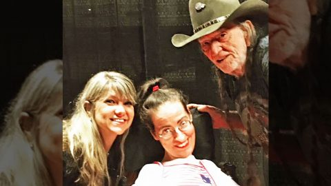 Disabled Fan's Dream Comes True With Help From Willie Nelson's Remarkable Daughter | Country Music Videos