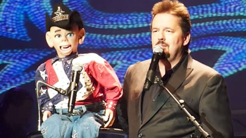 Ventriloquist Terry Fator & Country Singer Puppet Team Up