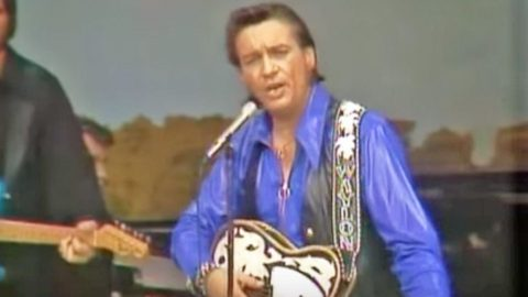 Fresh-Faced Waylon Jennings Performs Hit Song At The Grand Ole Opry | Country Music Videos
