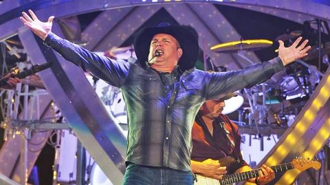 Garth Brooks Hints Toward Something BIG For Future Tour Dates | Country Music Videos