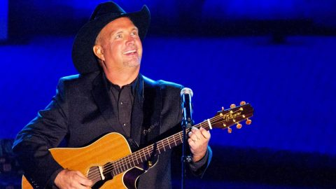 Garth Brooks Plays For Sell Out Crowds Until 2AM, His Reason May SURPRISE You! | Country Music Videos