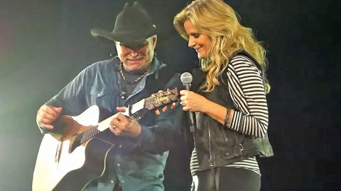 Garth Brooks Gives In To Crippling Emotions During Chilling 'Walkaway Joe' Duet | Country Music Videos