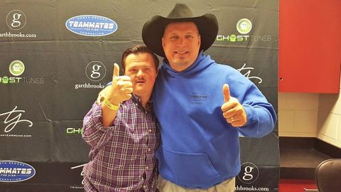 Garth Brooks Sees Man With Down Syndrome In The Audience. What Happens Next? Incredible! | Country Music Videos