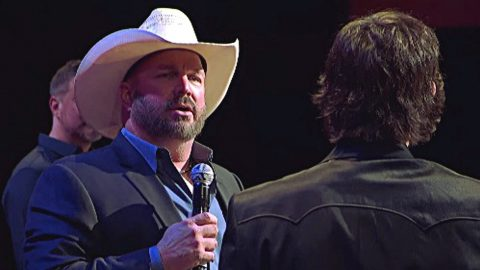 Garth Brooks' Short, Tear-Filled Opry Appearance Was More Important Than You Realize | Country Music Videos
