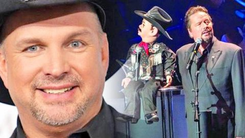 """Ventriloquist, Terry Fator Performs Garth Brooks' """"Friends In Low Places"""" on America's Got Talent (VIDEO)   Country Music Videos"""