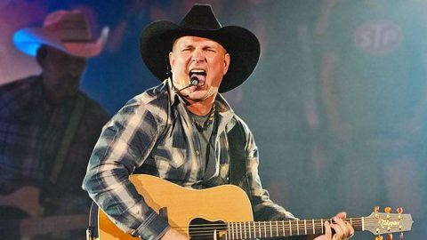 Garth Brooks Just Broke Another Record | Country Music Videos