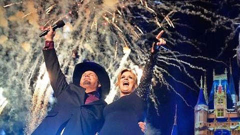 Garth Brooks Reveals Massive Holiday Surprise | Country Music Videos