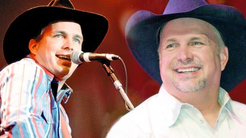 """Garth Brooks Stuns In Rare Live Performance Of """"The River"""" (VIDEO)   Country Music Videos"""