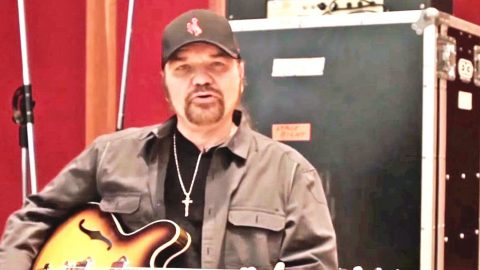 Skynyrd Secrets: Gary Rossington Offers Behind The Scenes Glimpse Into Nashville Studio | Country Music Videos