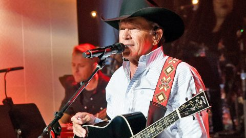 George Strait Announces 'Special Benefit Show' For Hurricane Harvey Victims | Country Music Videos
