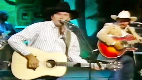 Flashback: George Strait Is King Of The Charts With 'Does Fort Worth Ever Cross Your Mind' | Country Music Videos