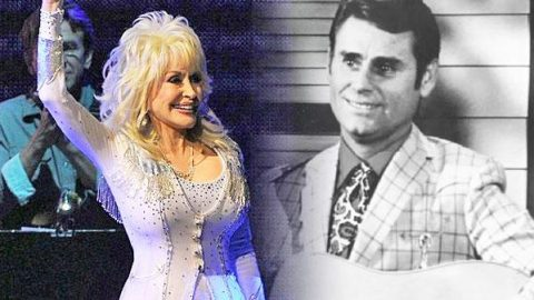 """Dolly Parton Covers George Jones' """"He Stopped Loving Her Today"""" (Live) 