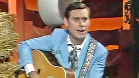 George Jones Takes 'Hee Haw' By Storm With Spirited Performance Of 'White Lightning'   Country Music Videos