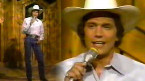 George Strait – If You're Thinking You Want A Stranger (There's One Coming Home) | Country Music Videos