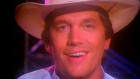 George Strait – The Chair (VIDEO) | Country Music Videos