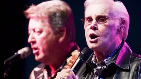 """Bruce Johnston Salutes George Jones with """"Finally Friday"""" Cover (VIDEO) 