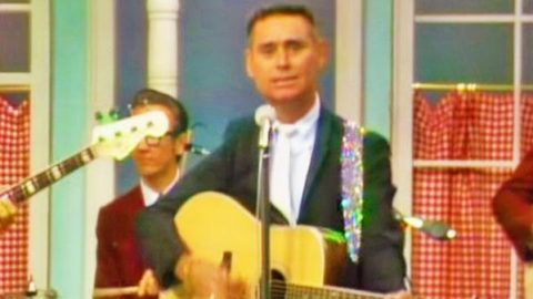 George Jones – The Race is On (LIVE) | Country Music Videos