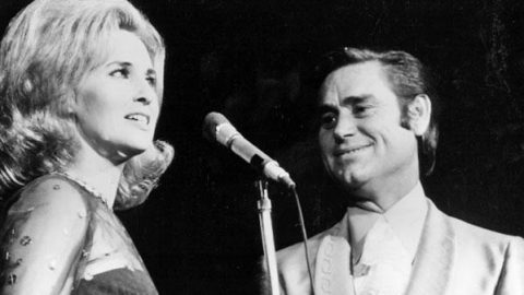 George Jones and Tammy Wynette – We're Gonna Hold On (Live) (VIDEO) | Country Music Videos