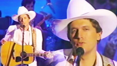 George Strait – Nobody In His Right Mind Would've Left Her   Country Music Videos