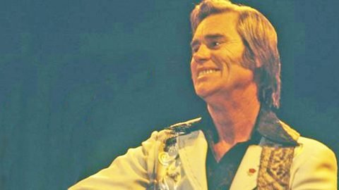 George Jones Gets Pranked Into Buying His Own Cattle, And It's Hilarious! | Country Music Videos