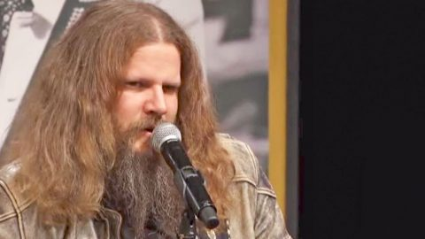 Drop Everything & Watch Jamey Johnson Sing The #1 Hit He Wrote For George Strait   Country Music Videos